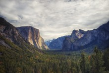 """Magnet"" view of Yosemite State National Park / http://www.panoramio.com/photo/104767876"