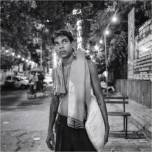 На улицах ночного Дели / Немного прогулялся с камерой у железнодорожного вокзала Нью-Дели, быстро собрал толпу вокруг себя. 2011 год..