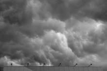 Приближение грозы / Грозовые облака