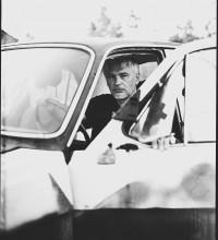 мой друг художник и поэт... / на этом фото в чудесном авто сидит Артур Гапанович-кто не узнал)