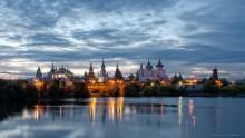Измайловский кремль / Измайловский кремль в Москве вечером