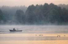 Улов / Озеро в черте города Слонима. Наверное, все кто рыбачит, видели этот самый момент в своих снах или рисовали в воображении, в преддверии поездки на рыбалку.