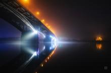 Городской вид ночью / Легкий туман. Ночной вид на мост через Оку