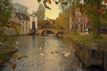 Walking in Bruges. / ***