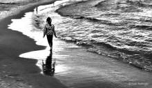 Девочка и море / Приятного просмотра
