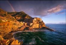 Лигурийский свет / Манарола - один из городков национального парка Чинкве-Терре, Италия.  После обеда пошел дождь, небо затянуло тучами и надежда на хороший свет таяла с каждой минутой... Но в этот день удача была на моей стороне!