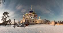 Зима в Переделкино / Москва. Переделкино. Патриарщее подворье. Храм святого князя Игоря Черниговского