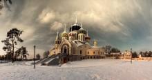 Вечер в Переделкино / Москва. Переделкино. Храм святого князя Игоря Черниговского