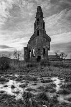 На взлёт / Руины старой кирхи
