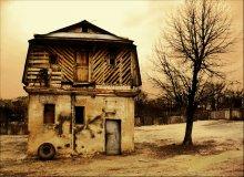 Abaddoned house / Чарнавік