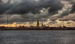 Тучи над городом / Вечер в Питере