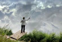 В небеса / Пруд,отражение,рыбачка