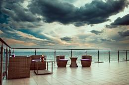 Hotel on the sea / Первые пробы работы с отелями :) Пытался сделать более в журнальном стиле. Не знал в какую категорию отнести, отнес более к пейзажам.