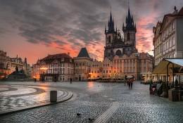 Прага просыпается / ***