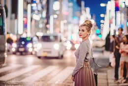 On the street / Girl on the evening Ginza