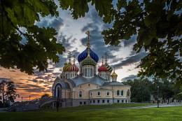 Летний вечер в Переделкино / Москва. Переделкино. Храм святого князя Игоря Черниговского