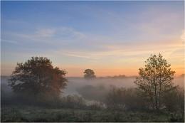 Над долиной / Осенним утром в речной долине