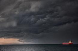Шторм приближается... / Черное море. Шторм приближается...