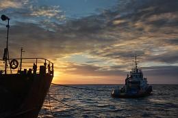 Морская работа / Черное море. Вечер. Работа...