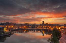 Рассвет на Калинкином мосту / Санкт-Петербург, набережная Фонтанки, раннее утро