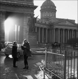 куда кутузов указал / Санкт-Петербург. Казанский собор. У памятника М.И.Кутузову