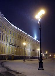 зимние огни / Санкт-Петербург. Дворцовая площадь во время вечернего снегопада