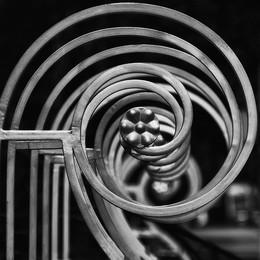 Спираль в квадрате / Если вам совсем неймется - Обтирайтeсь, чем придется, водными займитесь проце - дурами!  Автор: В. С. Высоцкий