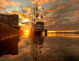 янтарный рассвет.. / Санкт-Петербург