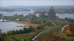 Кижи, осень, дождь... / 2004 год.