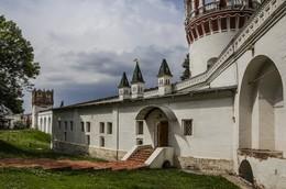 В монастыре. / Новодевичий монастырь. Москва