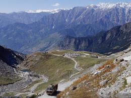 Гималаи, Индия. Горная дорога / Дорога из Дели в Тибет