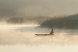 """Встреча в тумане. / Из серии """" Мигеевские рыбаки."""" Река Южный Буг. Украина."""