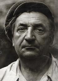 Мой отец / Сегодня ему исполнилось бы 90 лет. Снимок сделал в 1982 году (скан с фотографии, КИЕВ-6С)
