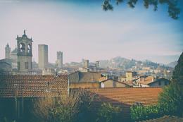 Saluti da assolata città di Bergamo, Italy / С наступающим Всех!!! Солнца Вам по жизни ;)