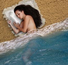 Морской сон... / Моя столетней давности работа... :) Но пусть будет