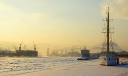 Северный город / зима, мороз, река, Нева, город, Санкт-Петербург