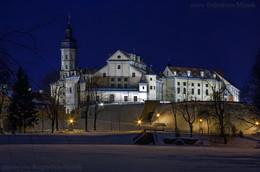 Ночной замок в Несвиже... / ...заснул в сугробах