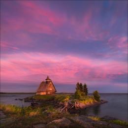 Вечер у Белого моря / Рабочеостровск, август 2015 г. Зачастую это место на фотографиях выглядит мрачным и серым. Но в тот вечер было совсем иначе ....