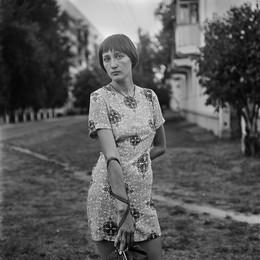 Женя (портрет с сумочкой) / Витебск, 2015