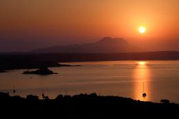 Тихая бухта, пробуждение. / Рассвет на острове Кос.