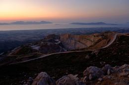 Закат в горах / Закат над островом Кос