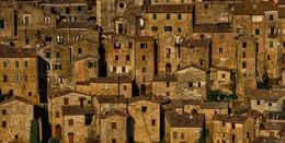 Старые стены / Средневековый городок Сорано, Италия