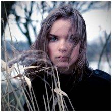 портрет А. Карасевой / ветреная погода