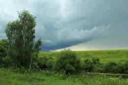 Надвигающаяся гроза / Река Серена (находится в Калужской обл. Мещовского р-она)