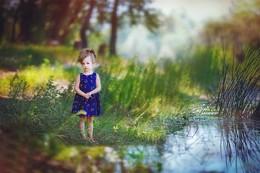 в лесу / прогулка# калч на дону#девочка, ребенок малышка