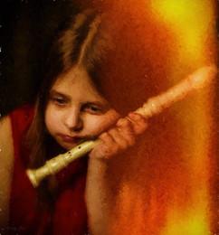 Юная флейтистка. /