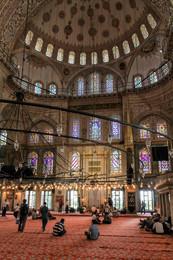Голубая Мечеть (Мечеть Султанахмет). / Стамбул. Июнь 2014 год.  © Майя Абесламидзе, Анатолий Щербак.