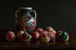 Последние / Последние персики этого года... Прямо с дерева и в натюрморт