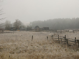 Морозное утро. Топят избы / Октябрь 2009 г.