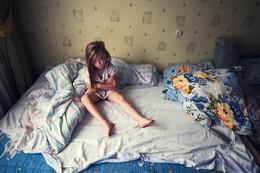 Анна в Редкино на диване осенью 2009 / Анна в Редкино на диване осенью 2009